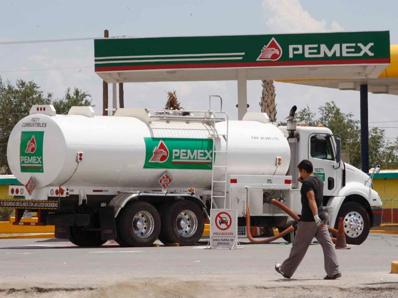 Advierte Cofece aumento de precios en gasolinas