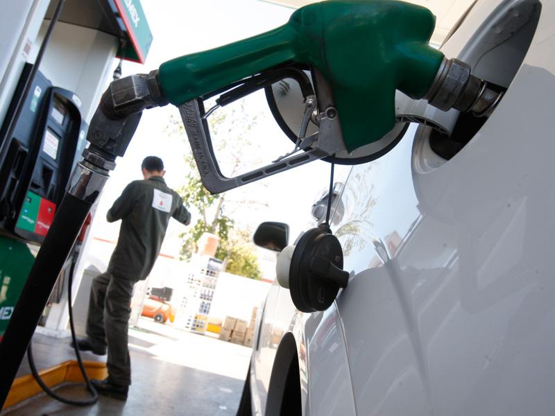 El gasto de la gasolina el camión ural