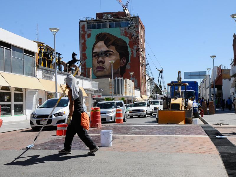 Dan Ltimas Pinceladas A Mural De Juan Gabriel Nortedigital