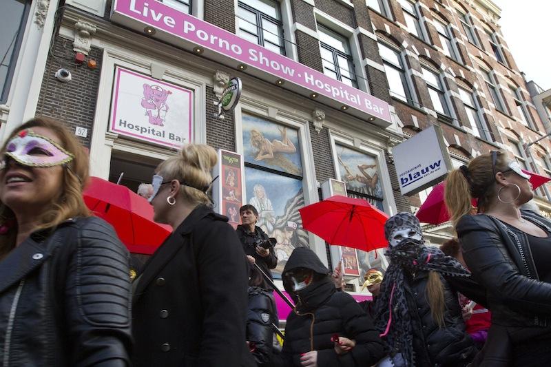 prostitutas escaparates amsterdam numero prostitutas en españa