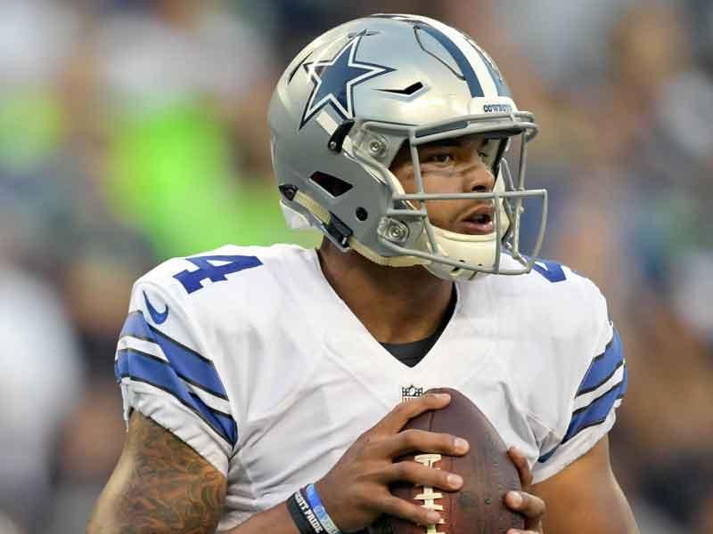 Gana Dallas duelo de mariscales novatos en la NFL