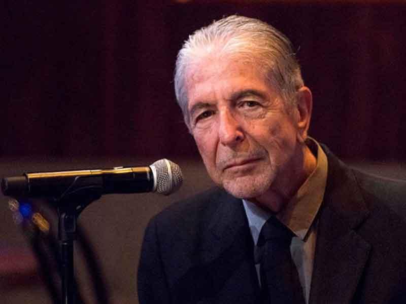 Leonard Cohen murió mientras dormía, tras sufrir una caída
