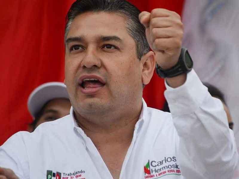Trasladan a Parral al diputado Carlos Hermosillo