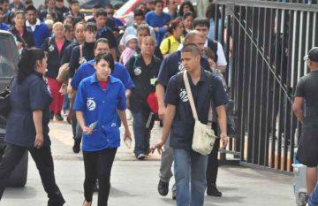 Trabajadores de maquiladora, IMSS advirtió a los patrones que evaden sus obligaciones en fin de año