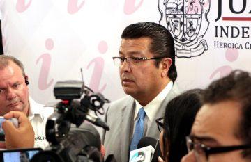 Armando Cabada durante su gobierno independiente
