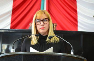 Ana Carmen Estrada propuso la reforma de violencia mediática