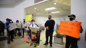 protesta de gimnasios en oficinas de gobierno