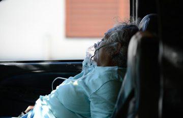 respiratorios; Paciente Covid espera cama