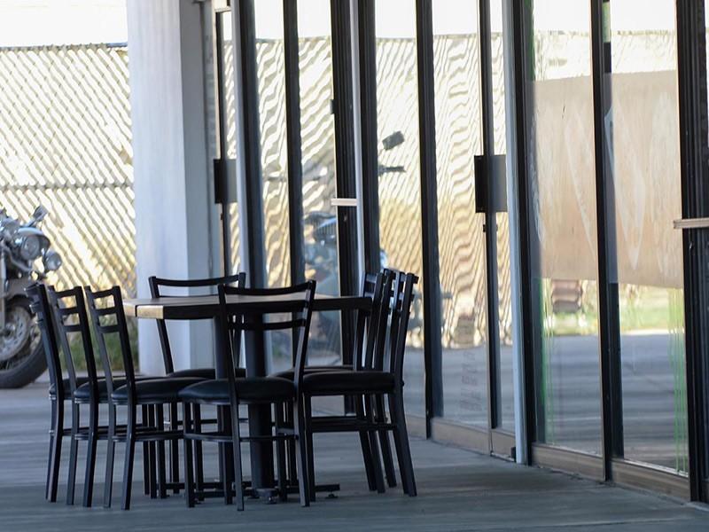 una de las terrazas de los restaurantes locales