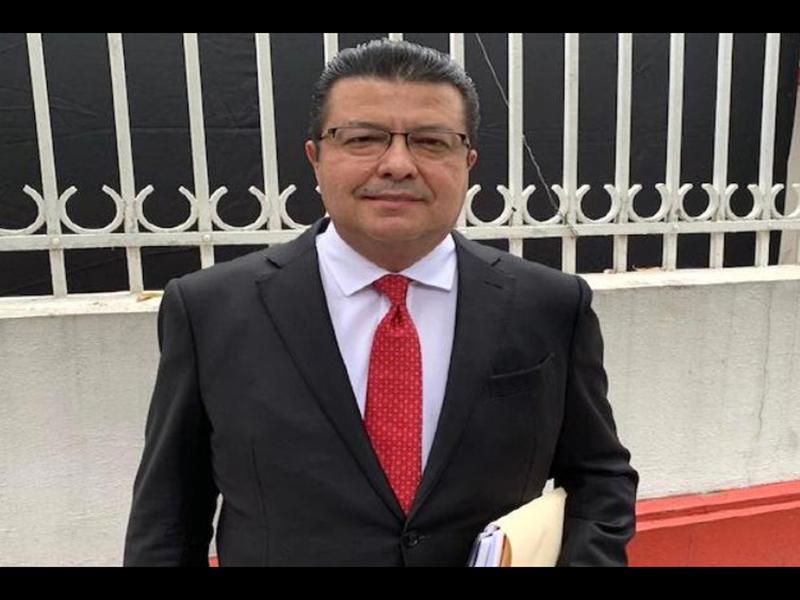 alcalde Armando Cabada