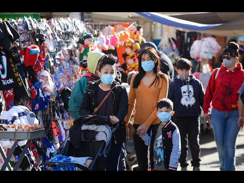 Personas durante la pandemia de Covid-19 en diciembre