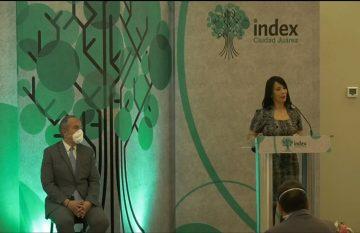 Nueva presidente de Index hablando de la frontera