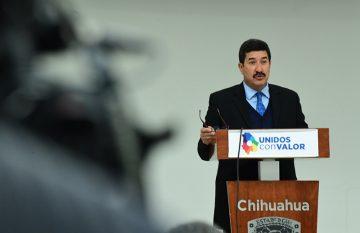 Javier Corral lanzó una indirecta a Maru Campos durante un discurso en Ciudad Juárez