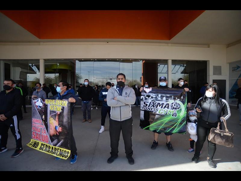 Protesta frente al gimnasio Alcatraz