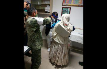 Aplicación de la vacuna Covid en Batopilas