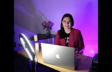 Nancy Romero impartió una conferencia por el día de la mujer