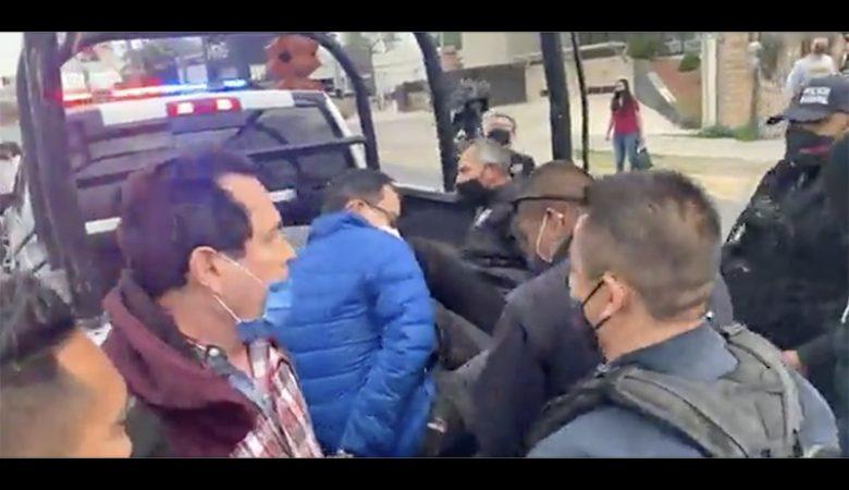 Manifestantes de la Gómez Morín