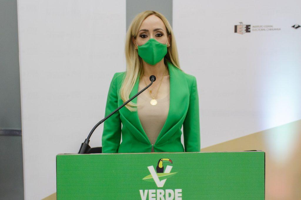 Brenda Ríos en el debate