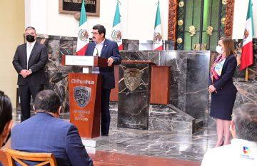 Javier Corral en el anuncio del cambio en la Secretaría del Trabajo