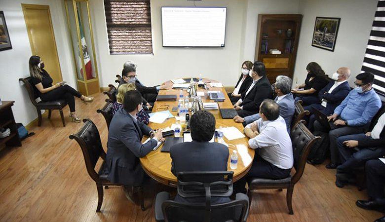 Equipo de Maru y Campos y Secretaría de Hacienda se reunieron ayer