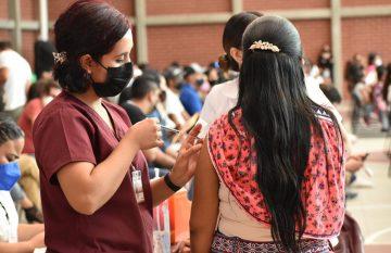 vacuna ; Voluntarios en la vacunación Covid-19