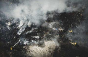 Incendio en yonke abandonado